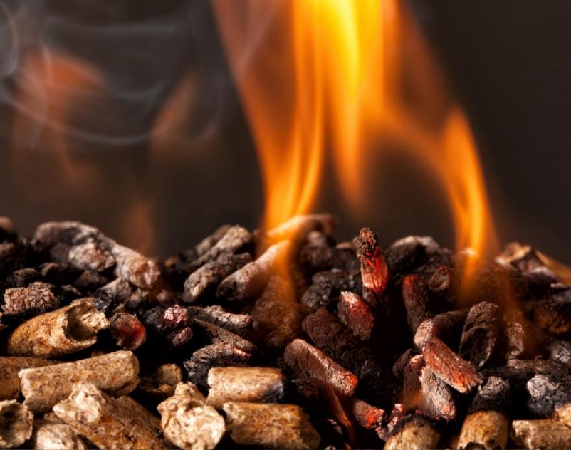 płonący pellet